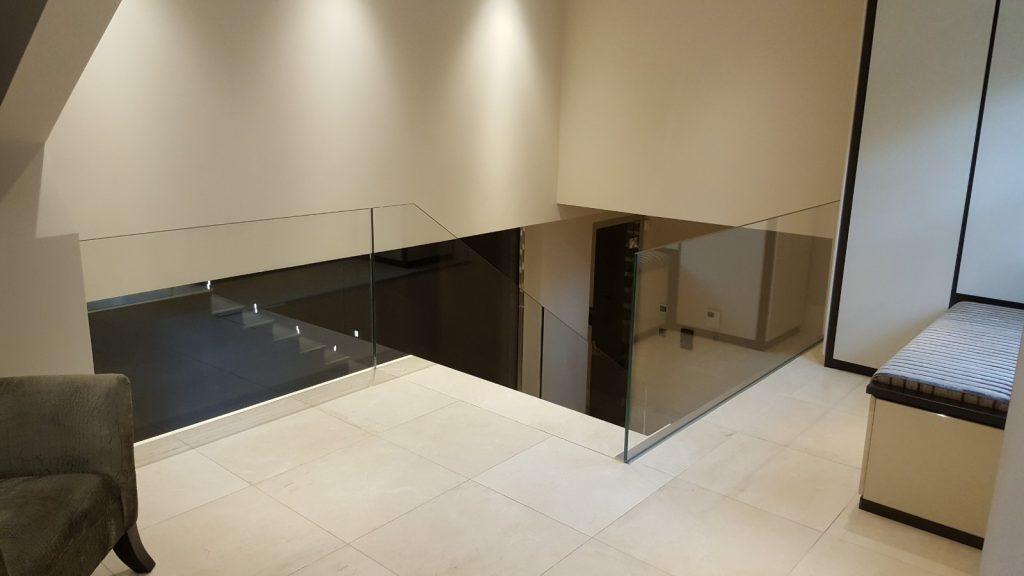 Frameless glass balustrade