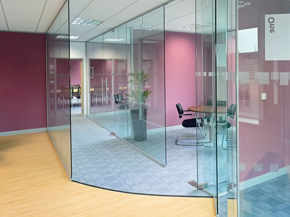 Frameless Double Glazed Partitioning