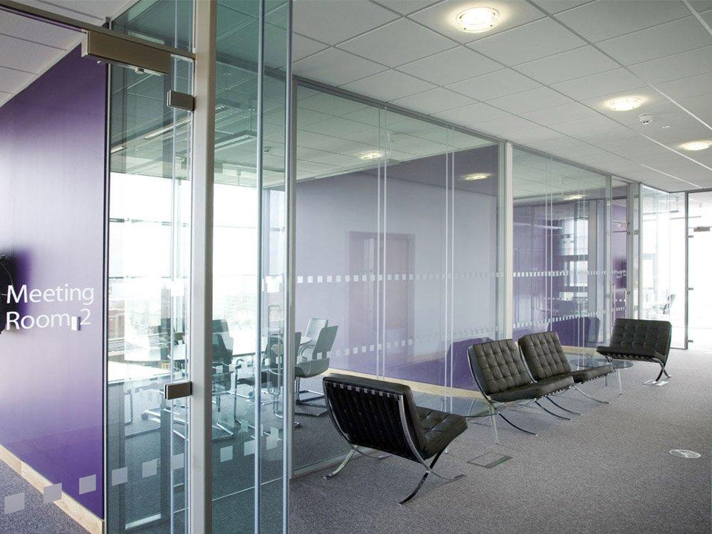 Frameless Single Glazed Office Partitioning